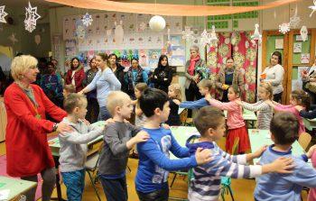 Iskolanyitogató – Pöttöm suli